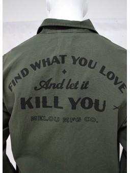 Camisa verde militar con mensaje de Melou